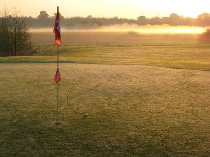 tante_pim_golf